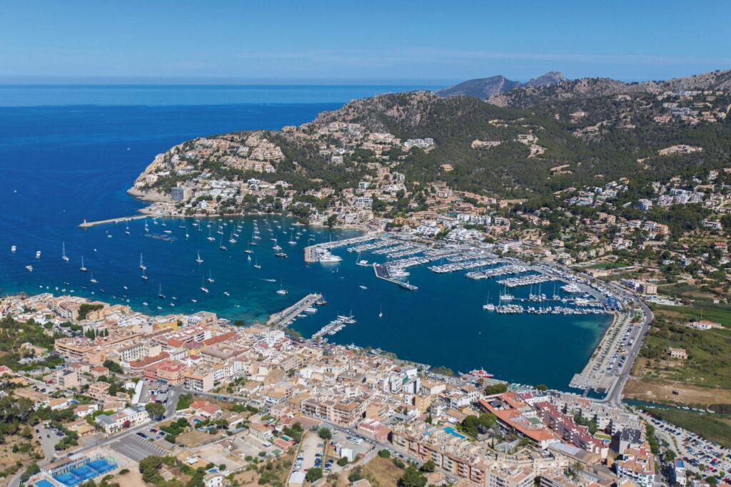 Blick auf Port Andratx, Hot Spot des Immobilienmarktes auf Mallorca. FOTO © MINKER & PARTNER